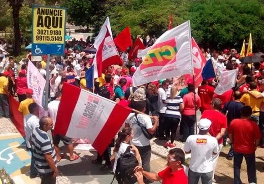 Por salários em dia e contra reforma, servidores do RN fazem mobilização