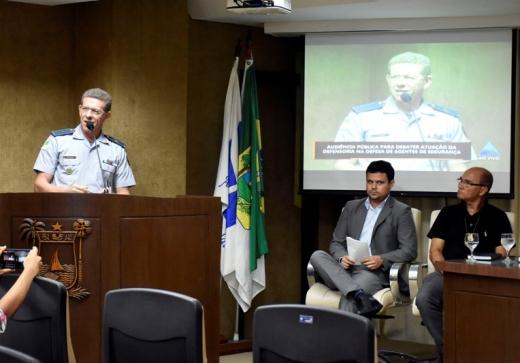 Papel do Estado na defesa dos operadores de segurança é discutido em audiência