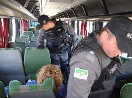 PM começa abordagens nos ônibus
