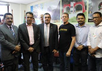 Anaspra discute pautas internas e se reúne com políticos e secretário de segurança